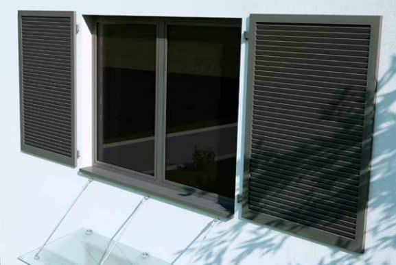 Fönsterluckor aluminium